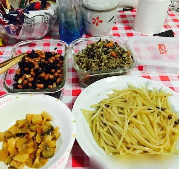 夫妻俩口子北京月入30000的日常晚餐,压力好大不敢要孩子