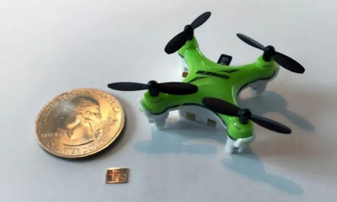 用20平方毫米的计算机芯片打造指甲盖大小的无人机,你见过吗?